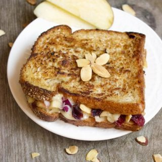 Grilled Cheese Sandwich With Brie and Apple Chutney