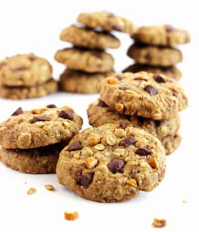 Healthy Oatmeal Cookies with Chocolate and Peanuts - Food Faith ...