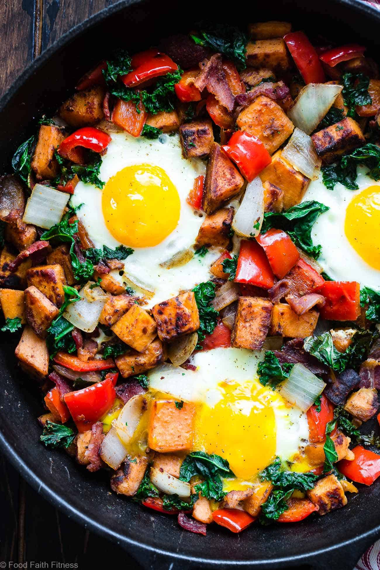 Whole30 Sweet Potato Bacon Breakfast Hash -This 30 minute, paleo friendly sweet potato hash with eggs makes a quick, delicious and healthy breakfast that is gluten/grain/dairy/sugar free and only 310 calories!| #Foodfaithfitness.com | #Paleo #Glutenfree #Whole30 #Healthy #Breakfast