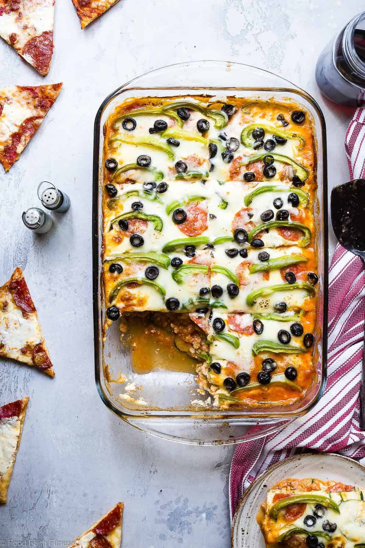 Low Carb Zucchini Pizza Lasagna -This zucchini lasagna combines 2 classic comfort foods into one healthy and kid friendly dinner! Gluten free, under 300 calories and packed with protein too! | #Foodfaithfitness.com | #Glutenfree #Lowcarb #Healthy #KidFriendly #Lasagna