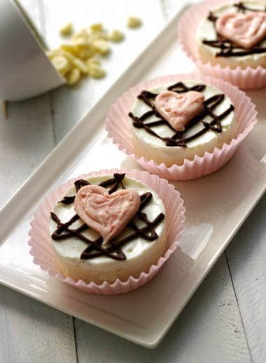 Skinny Mini White Chocolate Cheesecakes {Gluten Free + Low fat} - Food Faith Fitness