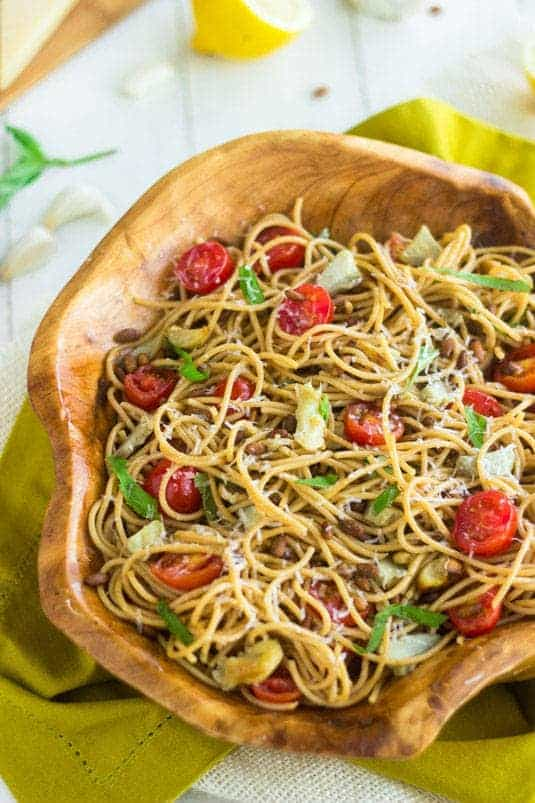 Artichoke Pasta Salad with Lemon Vinaigrette {Whole Wheat + Super Simple} - Food Faith Fitness #PompeianVarietals