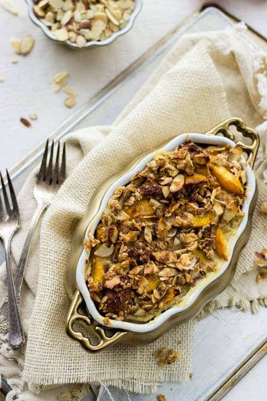 Healthy French Toast Bake with Peaches and Almond Streusel #Brunchweek #Healthy #Breakfast #Recipe - Food Faith Fitness