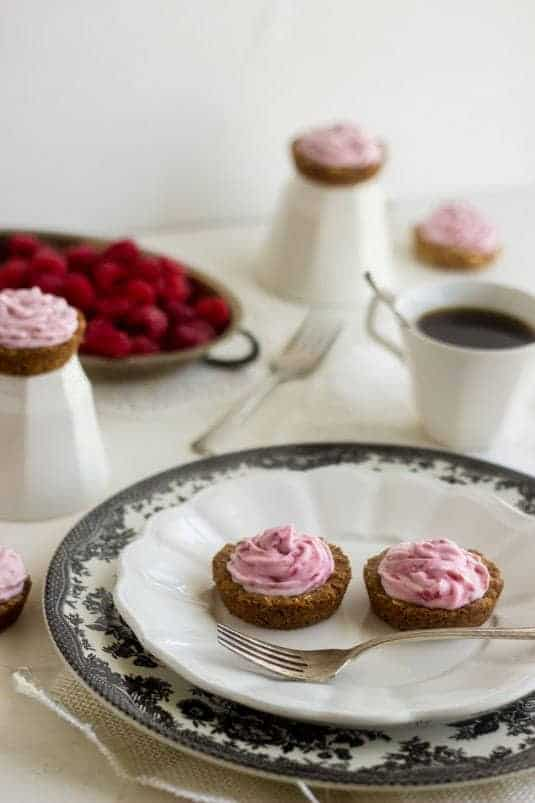 Oatmeal Tarts Filled with Raspberry Coconut Cream - Super easy and healthy! They're always requested and you've GOT to try them! - Food Faith Fitness | #dessert #recipe #dairyfree #coconut