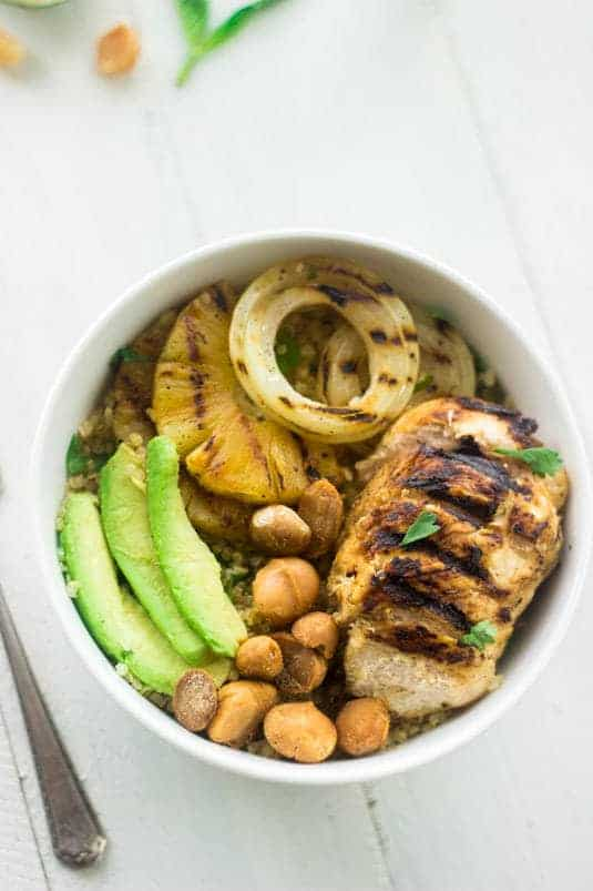 Grilled Mojito Chicken Quinoa Salad - Fast, easy and healthy. Your new favorite Summer dinner! - Food Faith Fitness | #glutenfree #recipe #dinner #chicken #quinoa