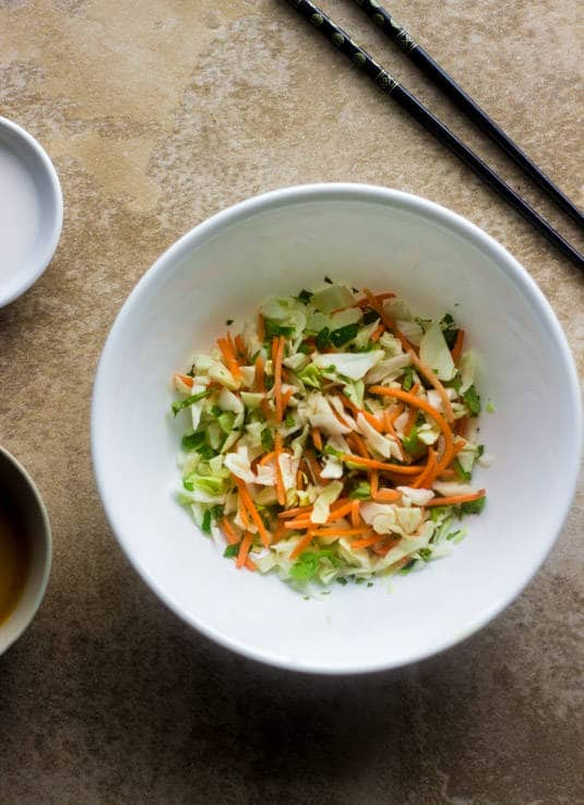 Spring Roll Zucchini Noodle Bowls - All the taste of a spring roll without the messy rolling! - Food Faith Fitness | #glutenfree #easy #healthy #shrimp #recipe