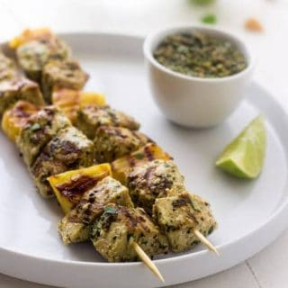 Grilled Mahi Mahi Kebabs with Macadamia Pesto - Pesto made with macadamia nuts! So easy and yummy! | Foodfaithfitness.com |