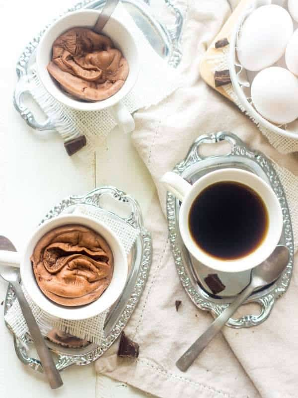 Chocolate Protein Egg White Souffle - A quick, and easy breakfast or snack that is loaded with protein, is SUPER low calorie and is ready in under 3 mins! | Foodfaithfitness.com | #recipe