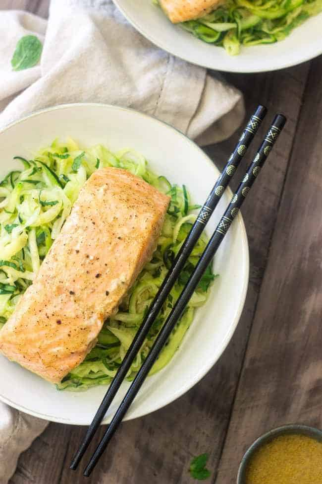 Coconut Curry Salmon with Zucchini Noodles - Only 3 ingredients to a light and healthy meal that is SO easy, but feels SO fancy!   Foodfaithfitness.com   #Recipe