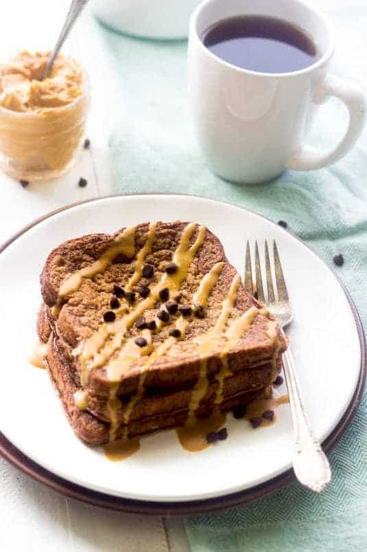 Chocolate Peanut Butter Protein French Toast - SO Easy, healthy and packed with protein. This is your new favorite breakfast! | Foodfaithfitness.com | #recipe