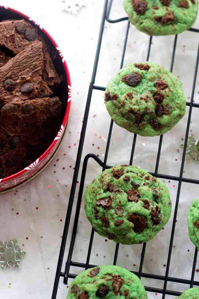 Mint Chocolate Chip Sugar Cookies - The BIGGEST and SOFTEST sugar cookies you will ever make! Perfect for Christmas baking! | Foodfaithfitness.com | #recipe