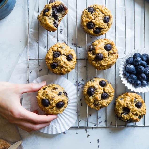 High Protein Blueberry Quinoa Muffins -Naturally sweetened, gluten free, dairy free and packed with plant based protein and fiber! These muffins are quick and easy to make and great for kids lunchboxes or snacks! Adults love them too! | #Foodfaithfitness | #Glutenfree #Dairyfree #Proteinpowder #Healthy #Quinoa
