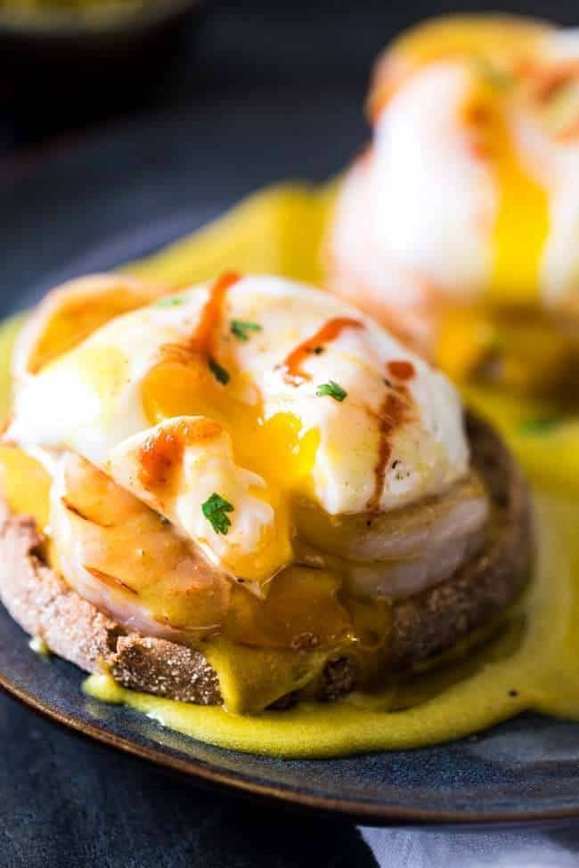 Thai Green Curry Eggs Benedict with Healthy Hollandaise Sauce - A Thai twist on the classic breakfast that is so easy and a whole lot healthier! | Foodfaithfitness.com | @FoodFaithFit