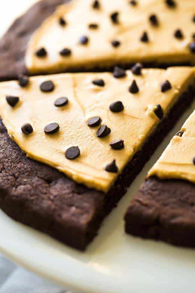 Chocolate Peanut Butter Cookie Pizza - You would never know it's gluten free and made with Greek yogurt! Ready in under 30 mins! | Foodfaithfitness.com | @FoodFaithFit