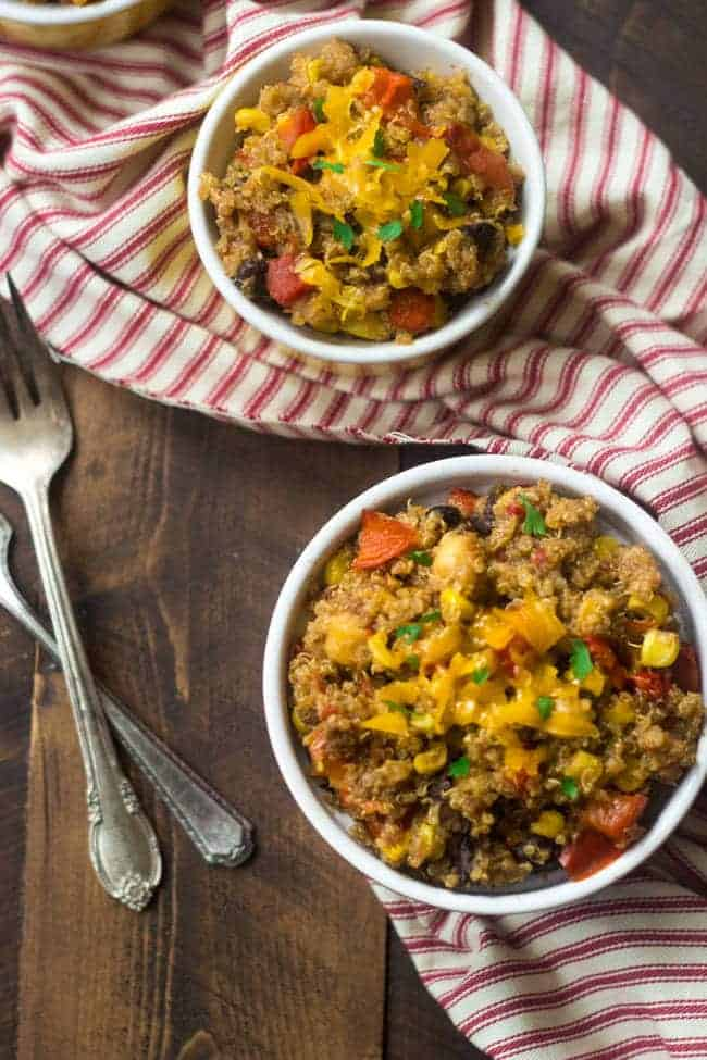 Crock Pot Mexican Quinoa - Let the Crock Pot do the work for you with this gluten free, meatless and healthy weeknight dinner! | Foodfaithfitness.com | @FoodFaithFit