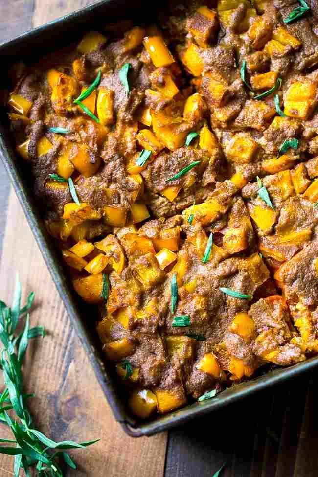 Paleo Casserole with Turkey, Zucchini and Peppers - Layers of fresh veggies, bright herbs and turkey make this protein packed and healthy! It's easy to make, and the whole family will love it! | Foodfaithfitness.com | @FoodFaithFit