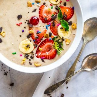Banana Split Vegan Smoothie Bowl {Paleo + Gluten Free + 5 Ingredients}