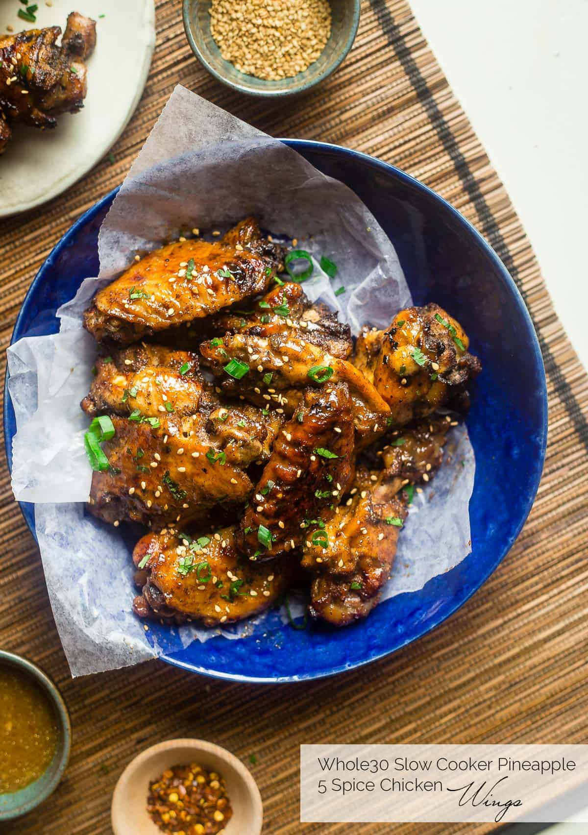 paleo wings in a blue bowl