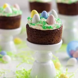 Mini-Easter-Carrot-Cake-Cupcakes-3-533x800