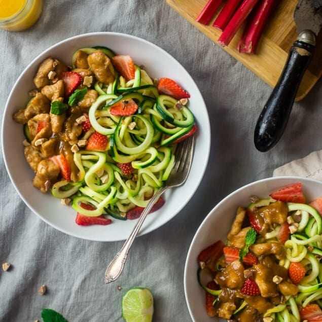 Paleo Strawberry Rhubarb Chicken Stir Fry with Zucchini Noodles - Strawberry Rhubarb is not just for pie anymore! This easy healthy chicken stir fry is a gluten free weeknight spring meal for only 350 calories! | Foodfaithfitness.com | @FoodFaithFit