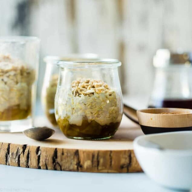 Apple Pie Vegan Overnight Oats - These quick and easy overnight oats let you have healthy pie for breakfast! They're a gluten free, make-ahead breakfast, that is under 300 calories and is perfect for busy mornings! | Foodfaithfitness.com | @FoodFaithFit