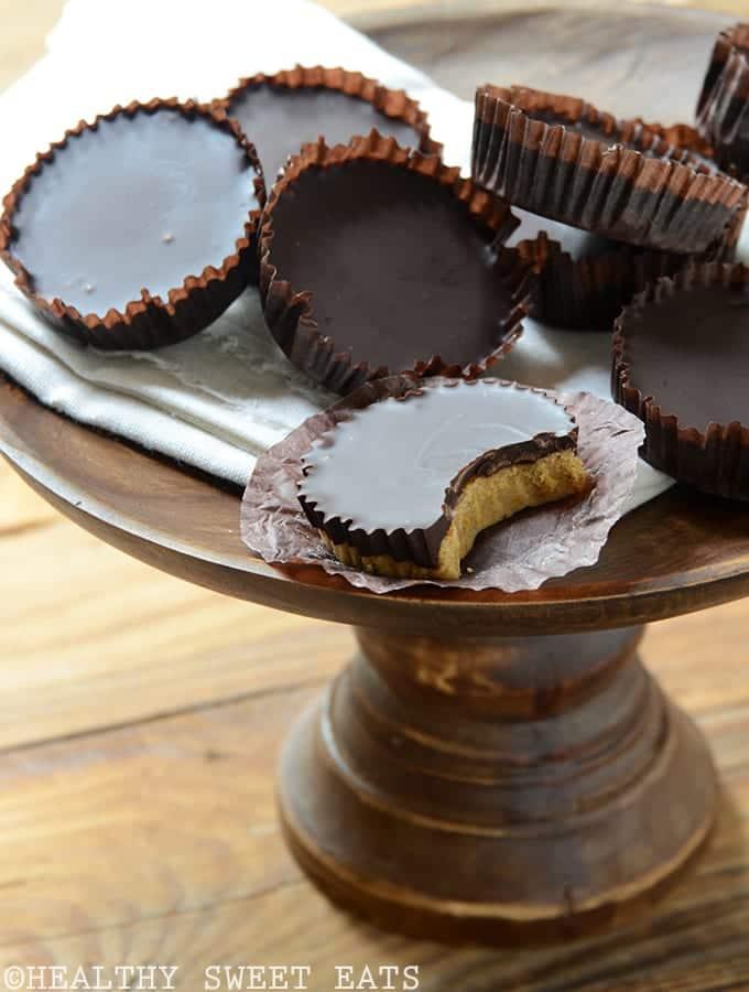 dark-chocolate-coated-pumpkin-spice-candy-cups-1
