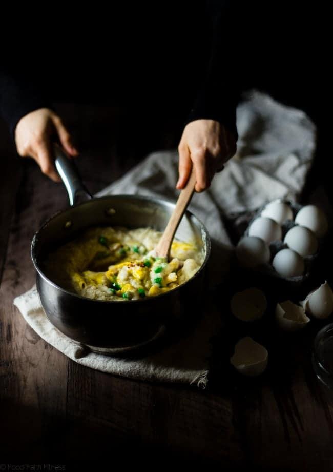 Gluten Free Cauliflower Alfredo Baked Penne Carbonara - This easy pasta bake uses cauliflower alfredo sauce to make it extra creamy! You'll never believe it's dairy/gluten free, low fat and packed with hidden veggies!   Foodfaithfitness.com   @FoodFaithFit