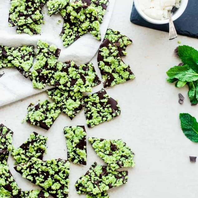 Vegan Peppermint Bark - This peppermint bark is ready in 15 minutes and only has 6 ingredients! Its a quick and easy, healthy and paleo friendly Christmas food gift or dessert!   Foodfaithfitness.com   @FoodFaithFit