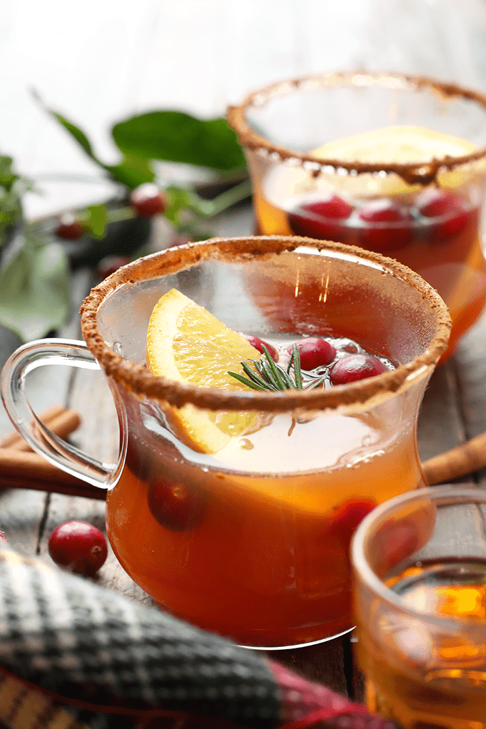 Healthy Holiday Cocktails | Foodfaithfitness.com | @FoodFaithFit