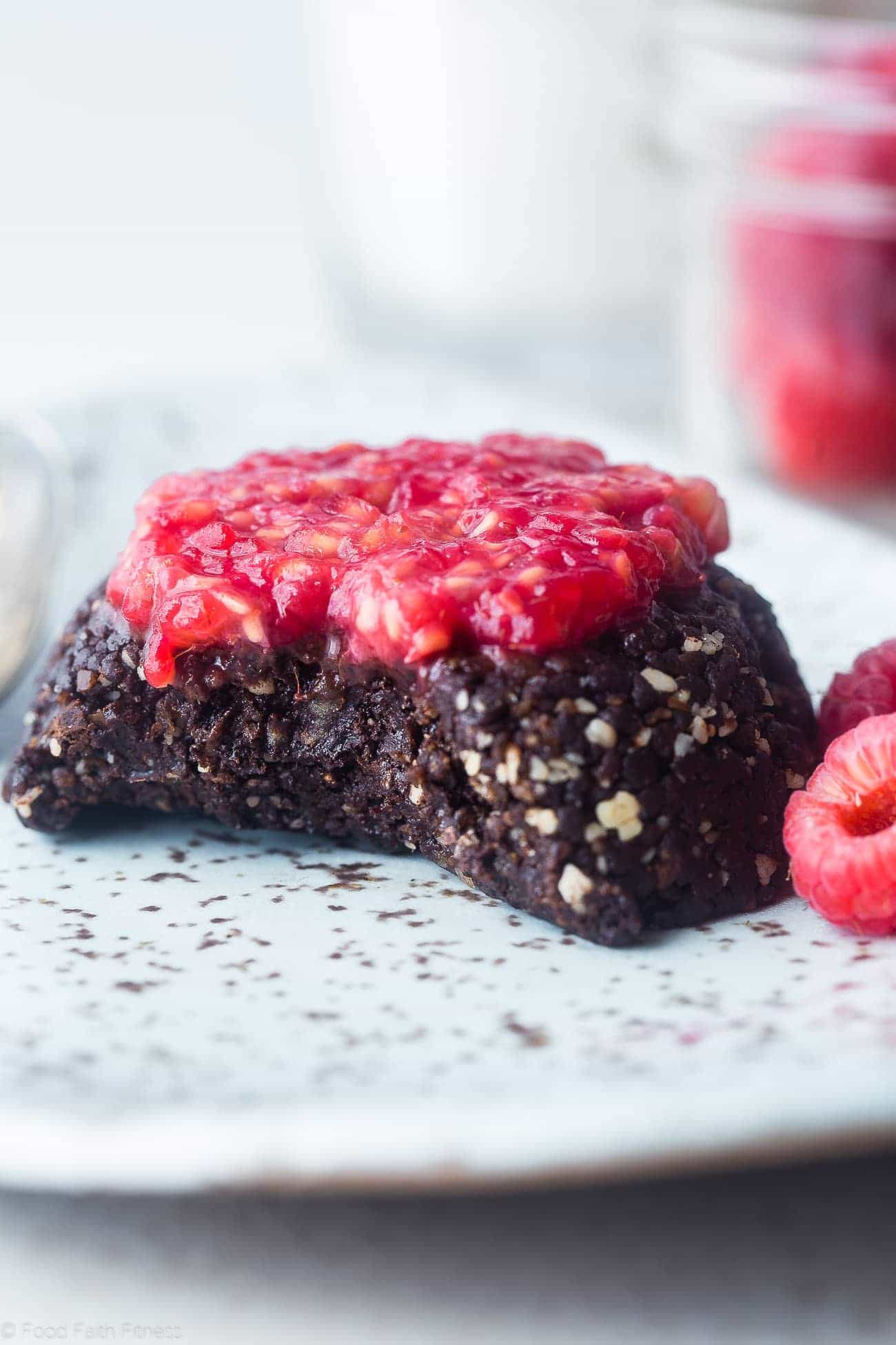 Raspberry Raw Single Serving Brownie - This no-bake single serving brownie is low fat, ready in 5 mins and has a secret, muscle-building ingredient! The perfect post workout snack or anytime treat! | Foodfaithfitness.com | @FoodFaithFit