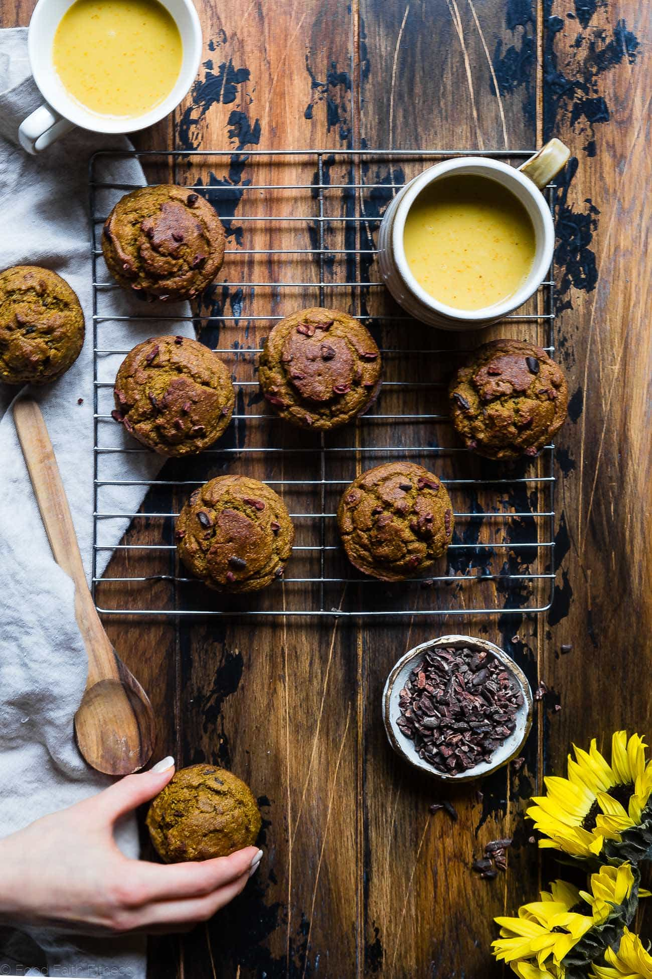Sugar Free Turmeric Banana Muffins -These anti-inflammatory, healthy banana muffins are loaded with crunchy cocoa nibs! Gluten free, vegan friendly, low fat and only 180 calories! Perfect for a quick breakfast! | Foodfaithfitness.com | @FoodFaitFit