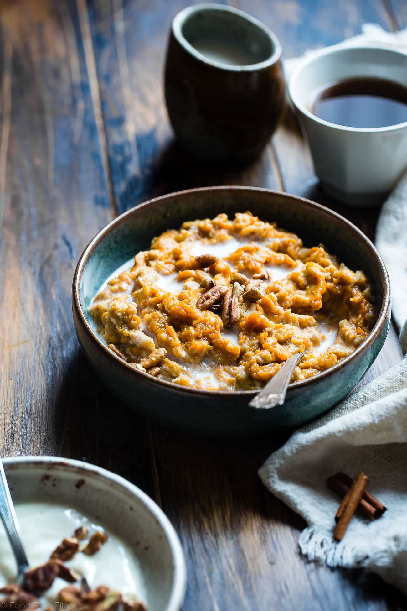 Pumpkin Pie Protein Oatmeal - Tastes like waking up to healthy and gluten free pumpkin pie for breakfast! Ready in 10 minutes, packed with protein and totally kid or adult friendly! Your new favorite breakfast! | Foodfaithfitness.com | @FoodFaithFit