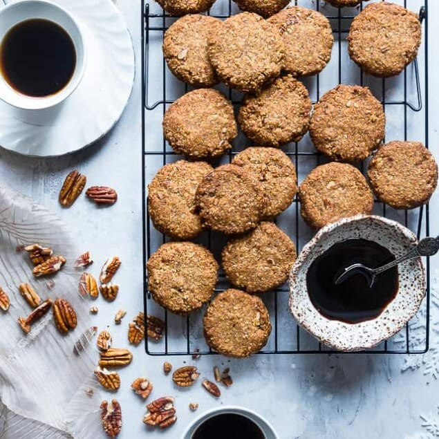 Chewy Butter Pecan Cookies - These 6 ingredient, gluten free Butter Pecan Cookies are perfectly crisp on the outside and chewy on the inside! A paleo and vegan friendly, dairy-free treat for the holidays! | Foodfaithfitness.com | @FoodFaithFit