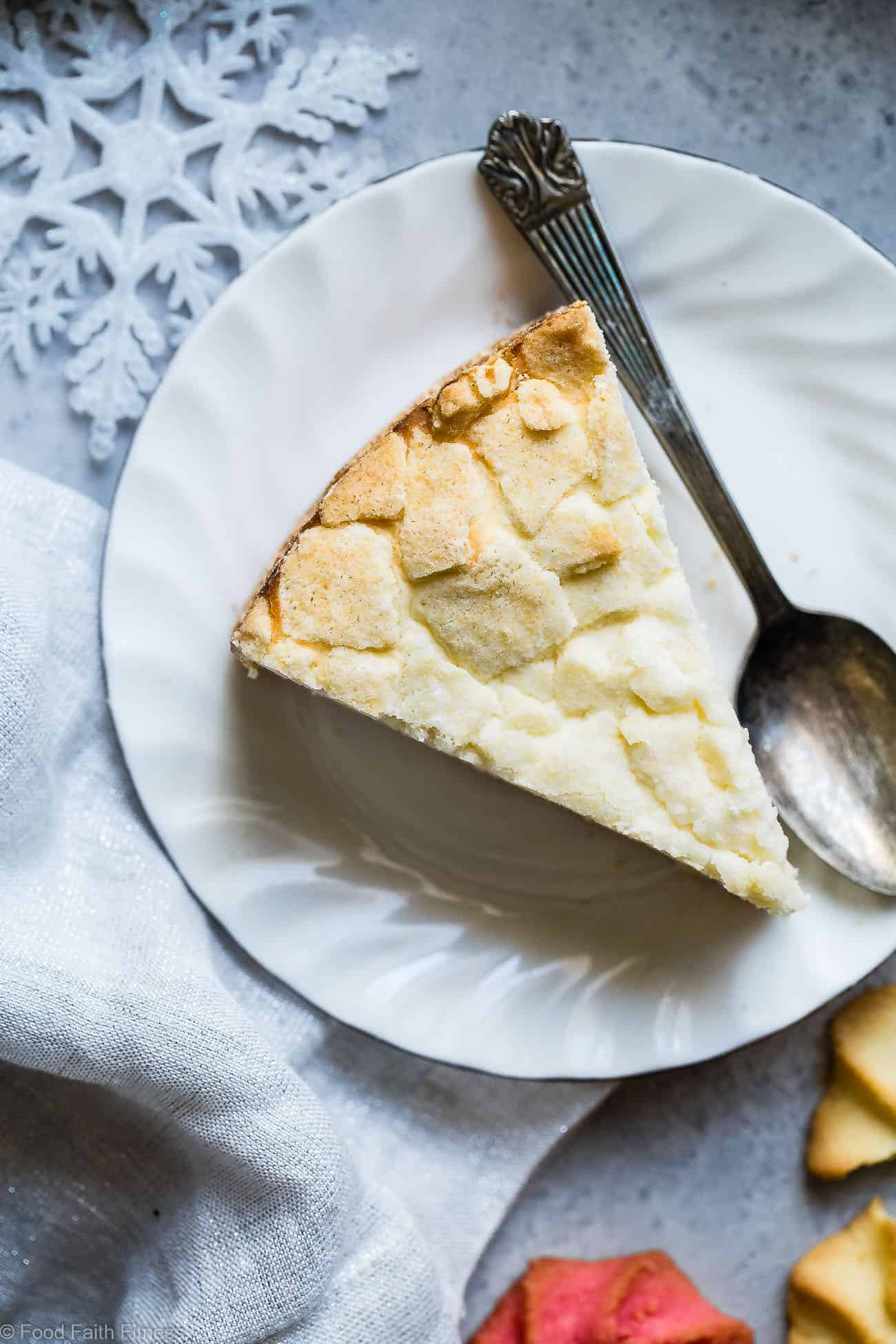 Sugar Free Greek Yogurt Gluten Free Cheesecake - This gluten free cheesecake is an easy dessert that combines 2 Holiday treats ! It's so creamy you won't believe it's healthy, sugar free and only 235 calories! | Foodfaithfitness.com | @FoodFaithFit