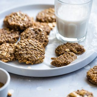 Easy Peanut Butter Oatmeal Banana Cookies