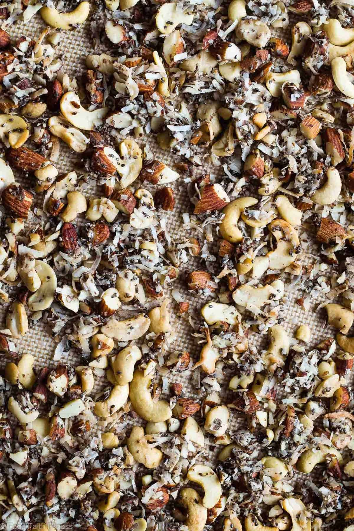 Coconut Cashew Grain Free Low Carb Keto Granola - SO crispy and crunchy that you'll never guess it's secretly healthy, low carb, gluten and  sugar free and paleo and vegan friendly! The perfect breakfast or snack that's great for meal prep! | #Foodfaithfitness | #Paleo #Vegan #Keto #Lowcarb #Healthy