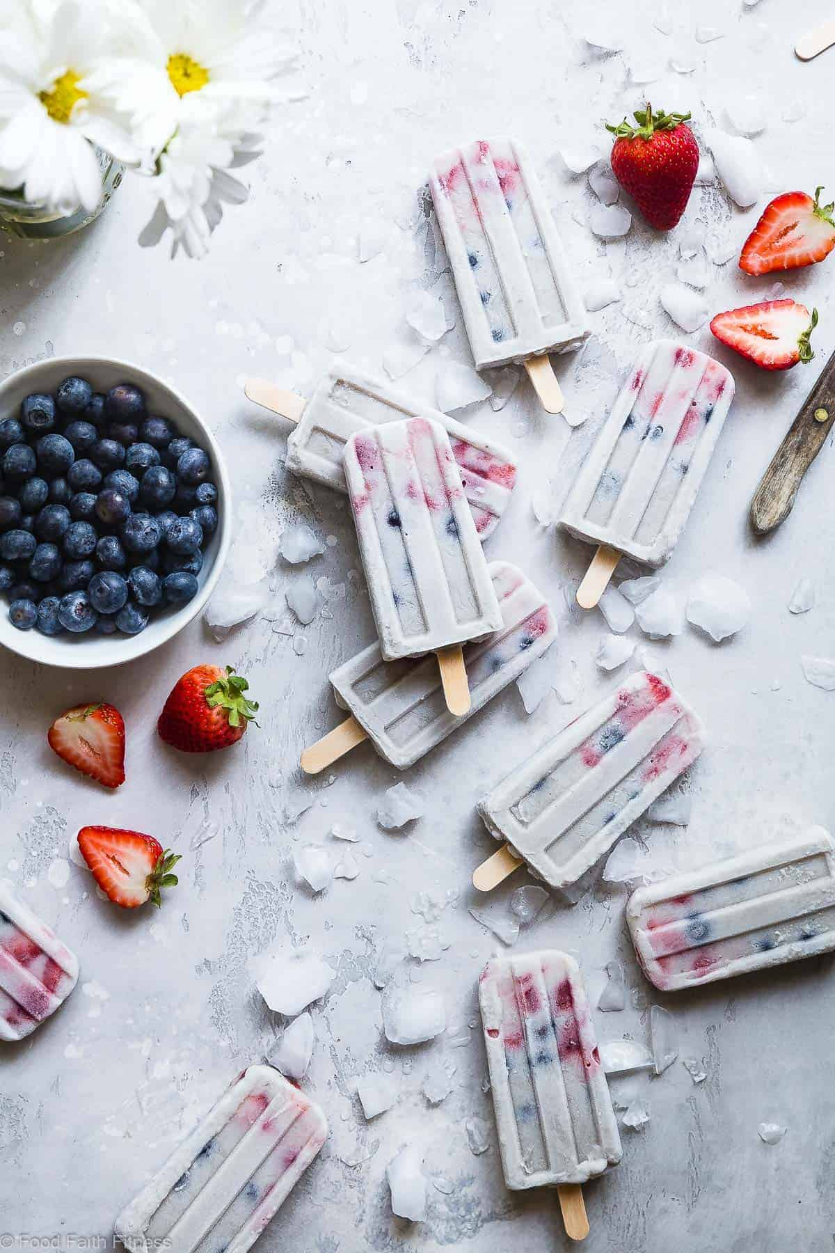 Red, White and Blueberry Paleo Banana Pudding Pops - These easy, healthy homemade pudding pops are perfect for the Fourth of July or anytime in the Summer! SO easy and gluten free and paleo/vegan friendly! Kids and adults will LOVE these! | #Foodfaithfitness | #Glutenfree #Healthy #Paleo #Vegan #July4th