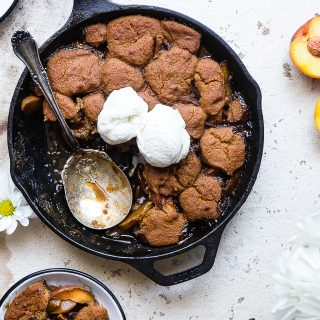 Paleo Vegan Peach Cobbler Crumble