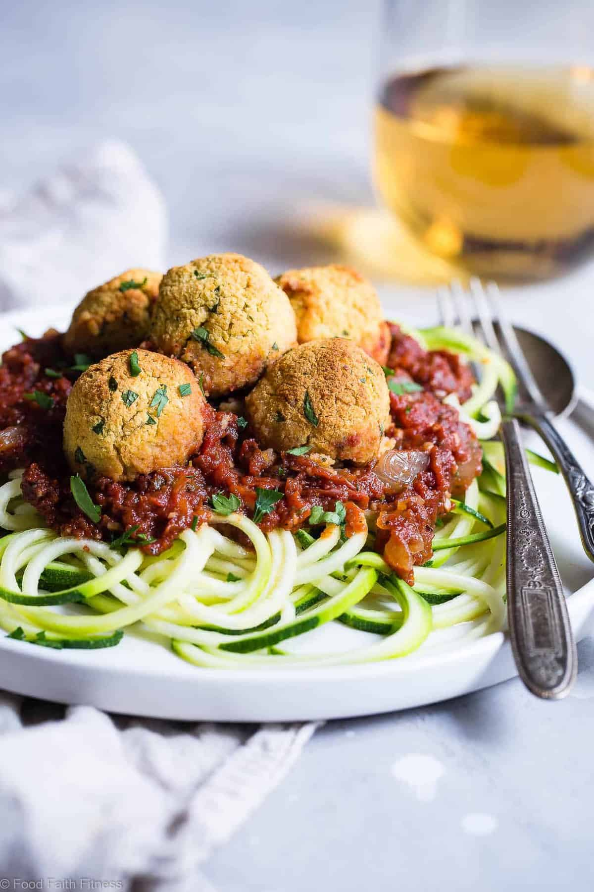 Gluten Free Vegan Chickpea Vegetarian Meatballs Recipe with Tomato Sauce -These meatless, gluten free meatballs are SO crispy, they will blow your mind! Serve them with an easy tomato sauce for a tasty, healthy dinner that's packed with plant protein and fiber! | #Foodfaithfitness | #Vegan #Glutenfree #Healthy #Vegetarian #Dairyfree