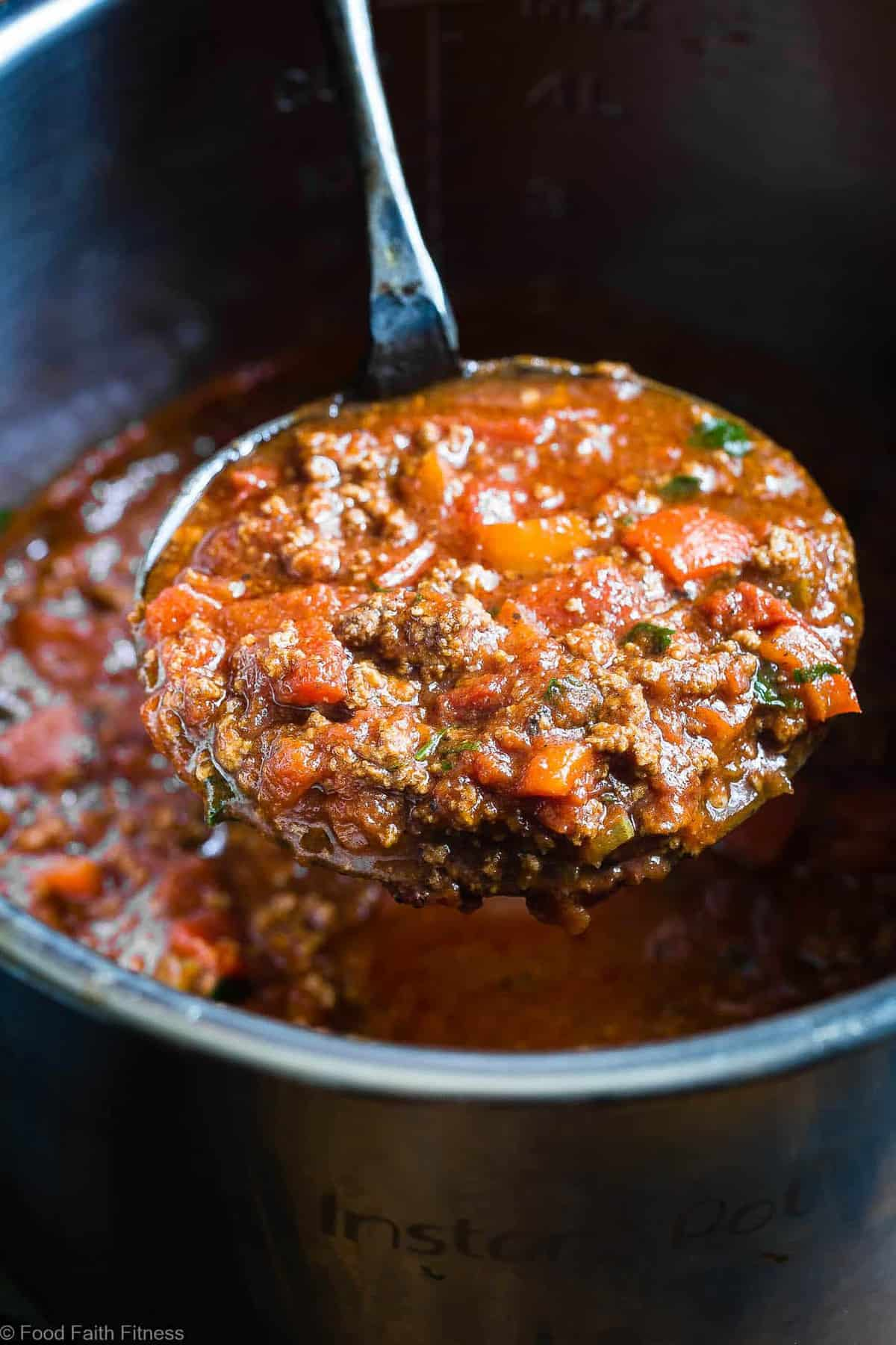 Instant Pot Whole30 Keto Chili Recipe - This paleo chili is a meat lovers dream! It's the easiest healthy weeknight dinner that the whole family will love and it freezes great for leftovers or meal prep! | #Foodfaithfitness | #Keto #Lowcarb #Paleo #Whole3o #InstantPot