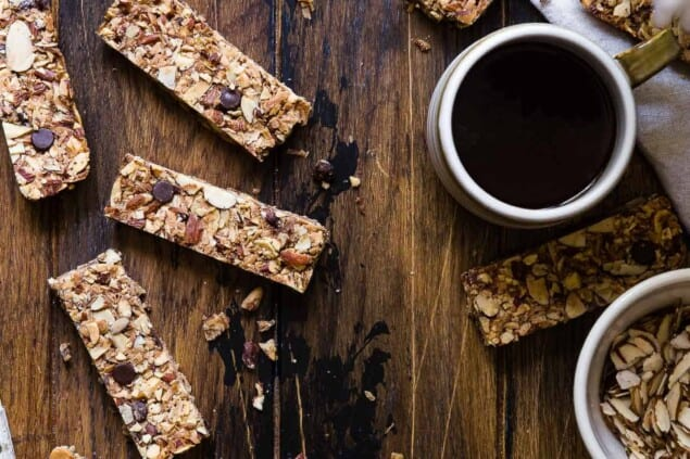 Sugar Free Keto Low Carb Granola Bars Recipe - This low carb granola bars recipe is only 7 simple ingredients and tastes like an Almond Joy! Kids or adults will LOVE these and they're portable and freeze great too! | #Foodfaithfitness | #Keto #Glutenfree #Paleo #Dairyfree #Sugarfree