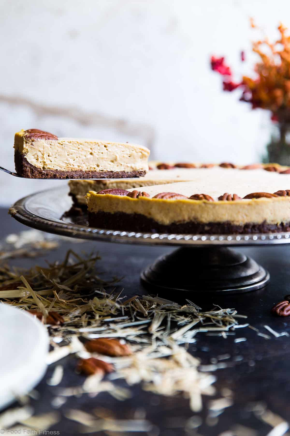 Low Carb Keto Pumpkin Cheesecake - This healthy low carb pumpkin cheesecake is SO creamy and spicy-sweet you will never believe it's gluten, grain and sugar free and only 240 calories! The BEST fall dessert ever! | #Foodfaithfitness | #Glutenfree #Keto #Lowcarb #Pumpkin #Sugarfree