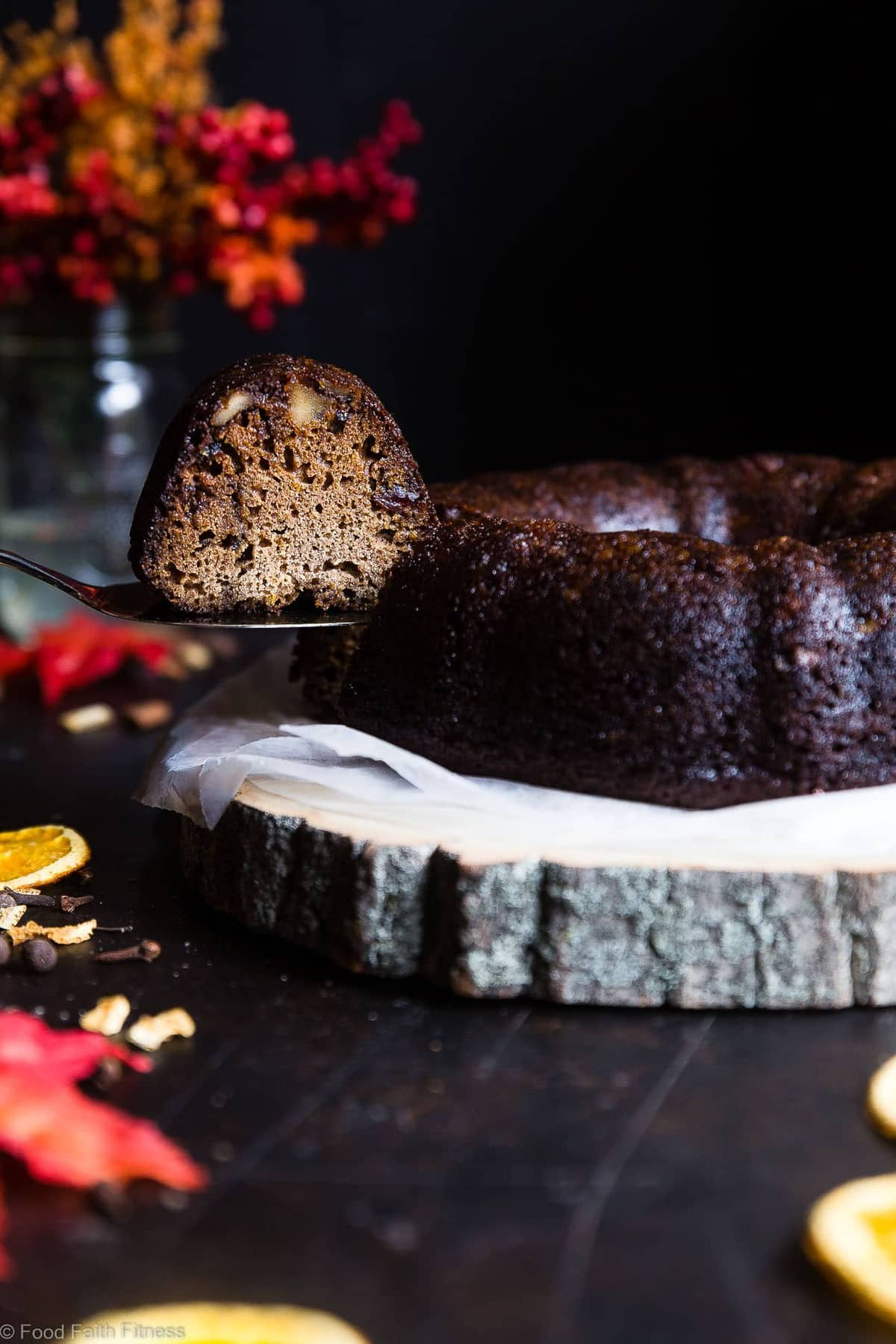 Gluten Free Mulled Wine cake - This better for you red wine cake has all the spicy, cozy flavors of the classic holiday drink! It's gluten/grain/dairy free and BOOZY! What more could you want? | #Foodfaithfitness | #Glutenfree #Grainfree #Dairyfree #Mulledwine #Cake