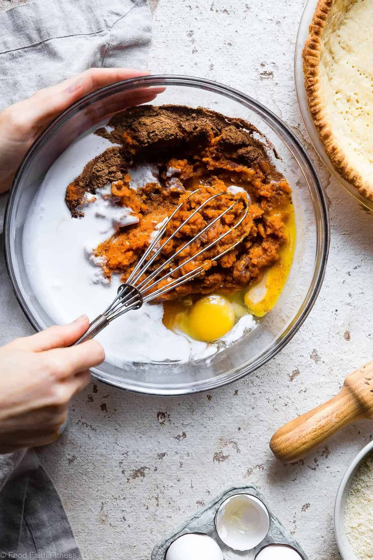 The BEST Paleo Low Carb Sugar Free Pumpkin Pie -Thispaleo friendly, low sugar pumpkin pie recipe is SO delicious, you will never know it's dairy and gluten free and only 200 calories a slice! Everyone will want this recipe! | #Foodfaithfitness