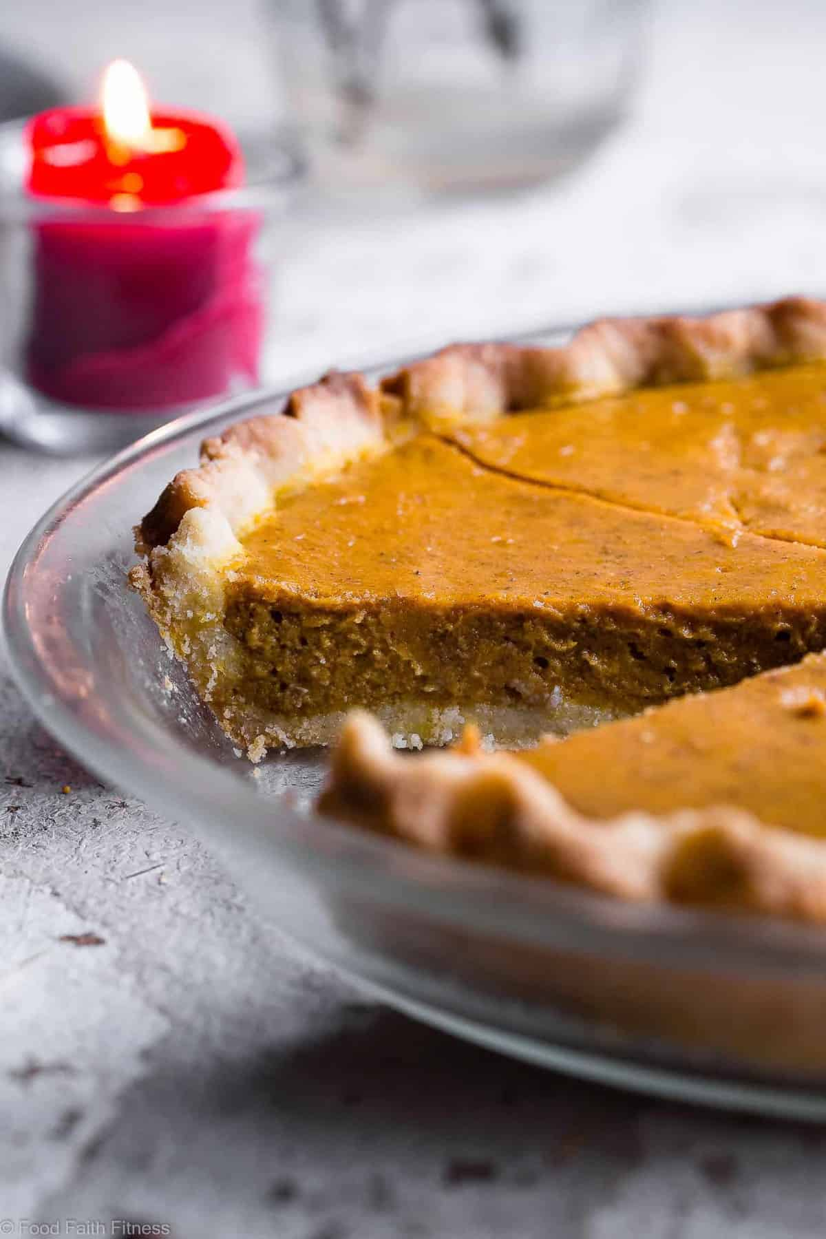 The BEST Paleo Low Carb Sugar Free Pumpkin Pie -Thispaleo friendly, sugar free pumpkin pie is SO delicious, you will never know it's dairy and gluten free and only 200 calories a slice! Everyone will want this recipe! | #Foodfaithfitness