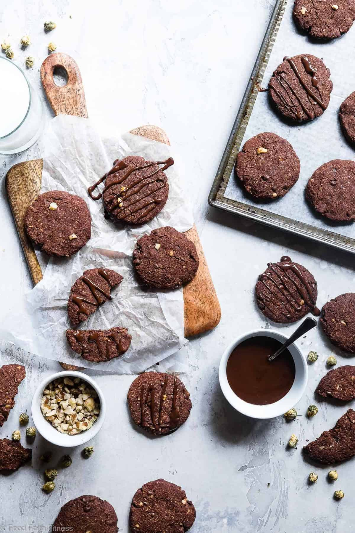 Vegan Gluten Free Brownie Cookies -These healthy and gluten free Chocolate Cookies are like always getting the edge piece- SO dense and chewy! You won't believe they're gluten free, paleo and only 120 calories! | #Foodfaithfitness | #Vegan #Paleo #Glutenfree #Dairyfree #Healthy