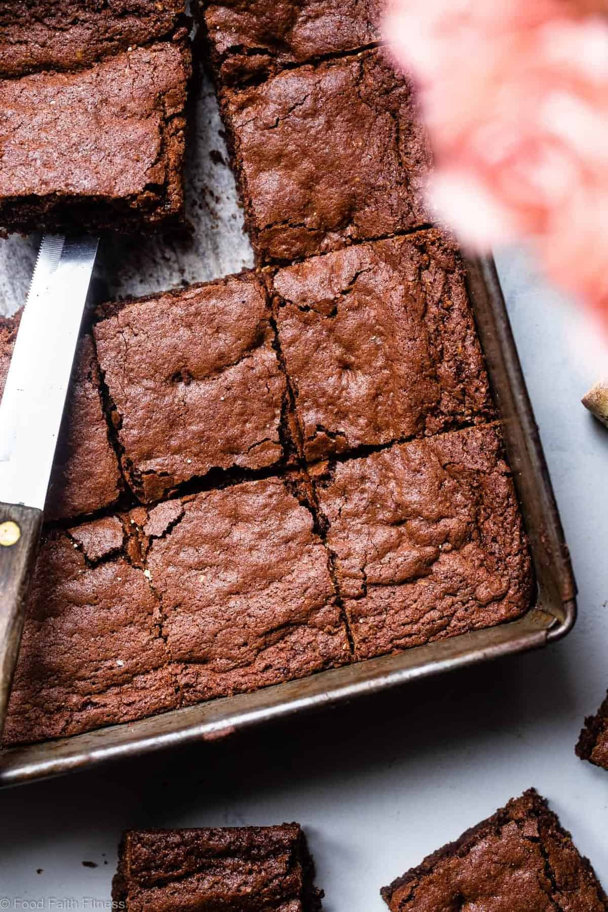 Easy Gluten Free Brownies - These grain free, healthy brownies come together in less than an hour and are SO dense, chewy and FUDGY! Paleo friendly, gluten and dairy free and SO delicious! | #Foodfaithfitness |