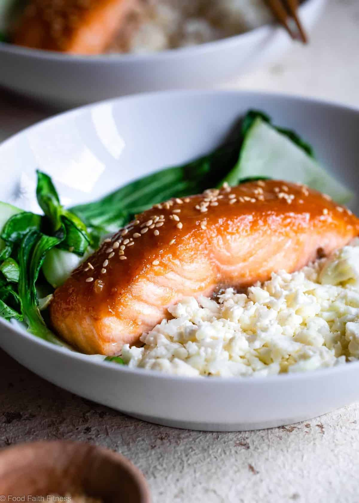 Honey Sriracha Miso Glazed Salmon - An easy, 15 minute weeknight dinner that is big on spicy-sweet asian flavor! A gluten free meal you'll make over and over! Only one Weight Watchers SmartPoint too! | #Foodfaithfitness |