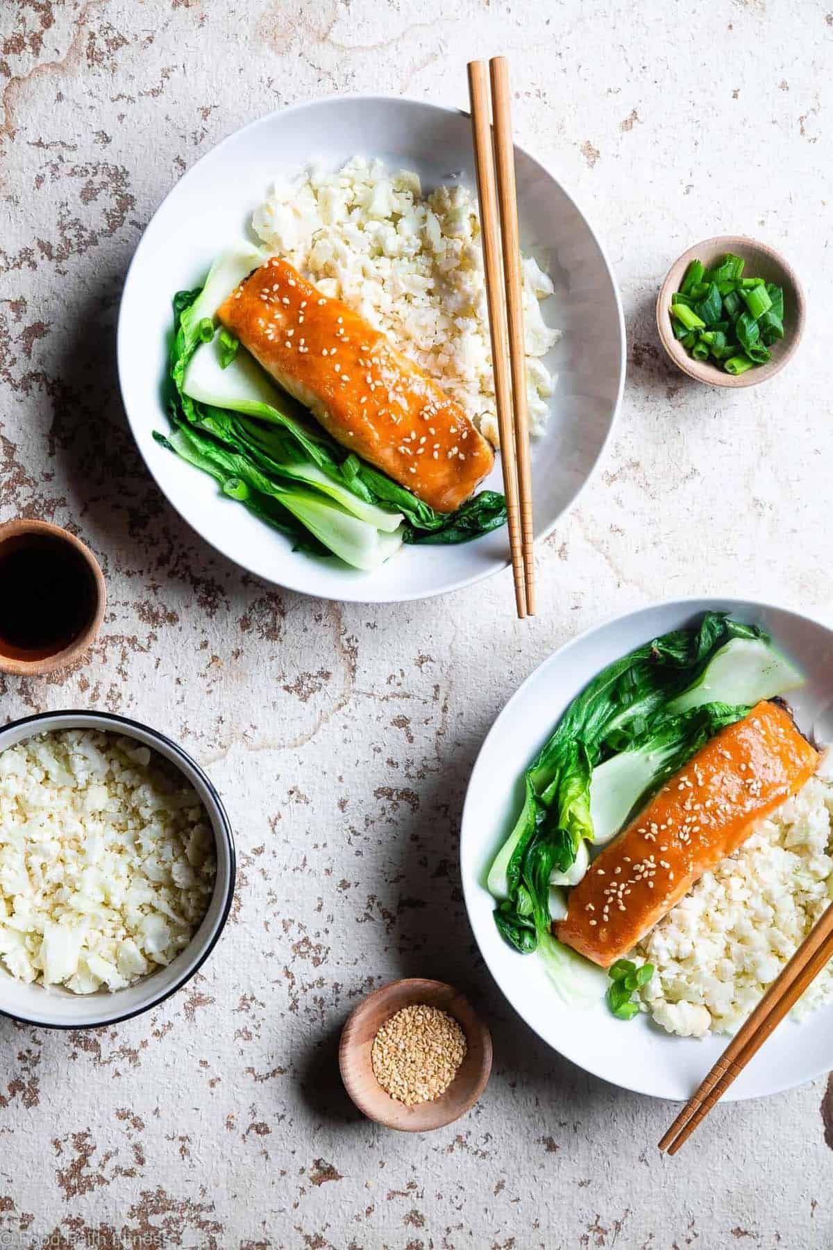 Honey Sriracha Miso Glazed Salmon - An easy, 15 minute weeknight dinner that is big on spicy-sweet asian flavor! A gluten free meal you'll make over and over! Only one Weight Watchers SmartPoint too! | #Foodfaithfitness | #Glutenfree #Lowcarb #Keto #Healthy #Dairyfree