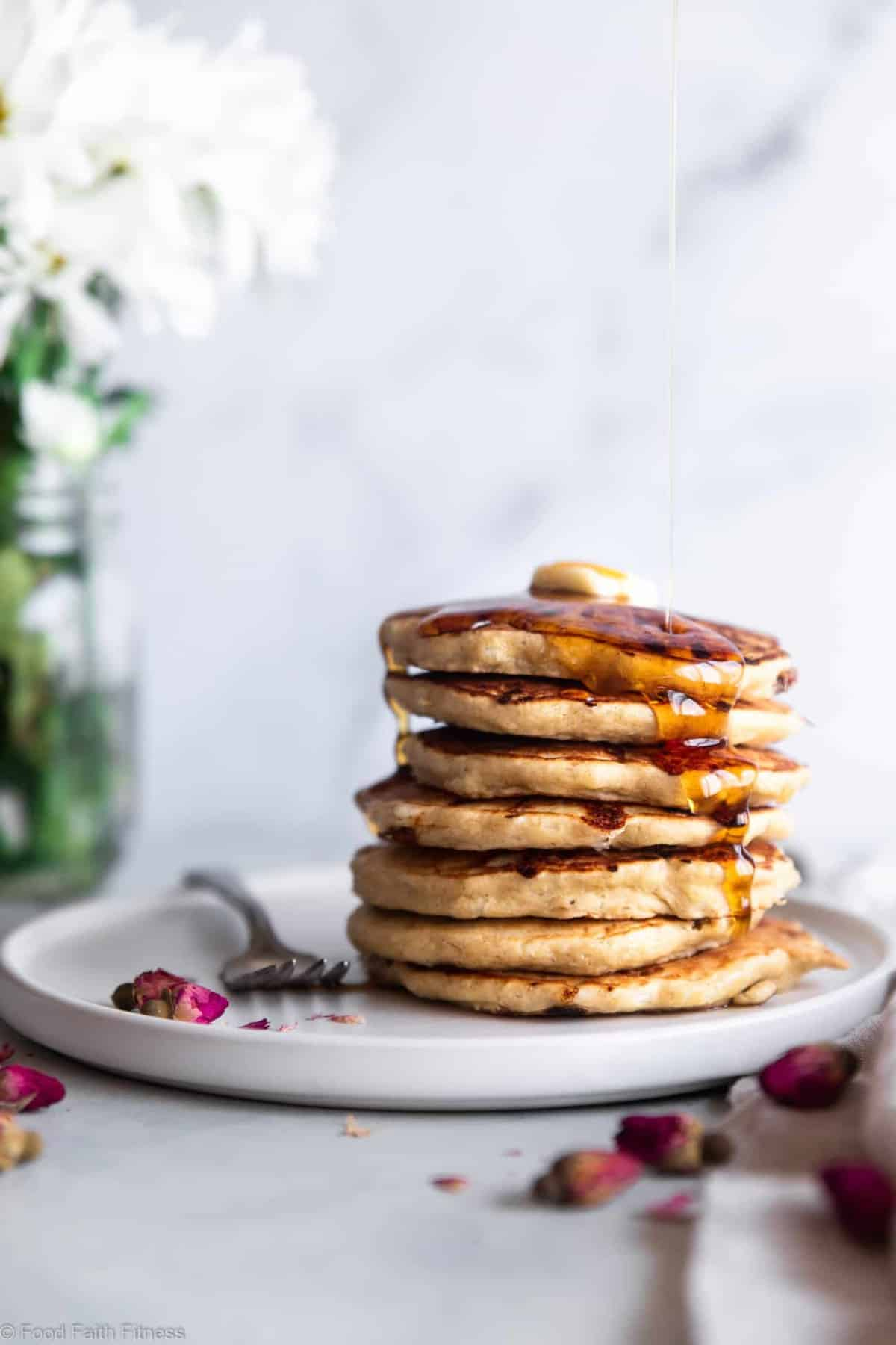Fluffy Cottage Cheese Pancakes - These easy pancakes naturally gluten free and protein packed! Make them ahead for healthy breakfasts or make them on weekends! Great for kids and adults. | #Foodfaithfitness | #Glutenfree #healthy #breakfast #pancakes